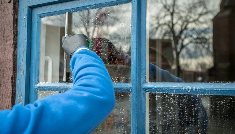 Fensterreinigung an Sprossenfenster - My Fensterputzer