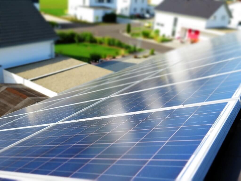 Gepflegte Photovoltaikanlagenreinigung - My Fensterputzer